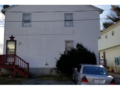 6 Bed 3.0 Bath Preforeclosure Property in Providence, RI 02908 - August St