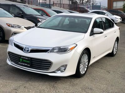 2015 Toyota Avalon Hybrid 4dr Sdn XLE Touring (Natl) (White)