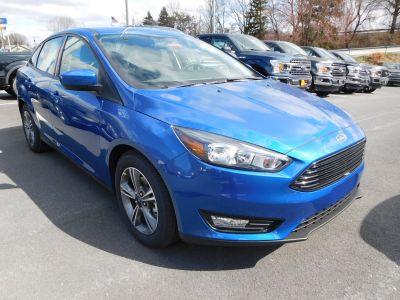 2018 Ford Focus SE (Lightning Blue)