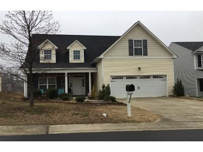 3 Bath Preforeclosure Property in Raleigh, NC 27610 - Slopeside Ct