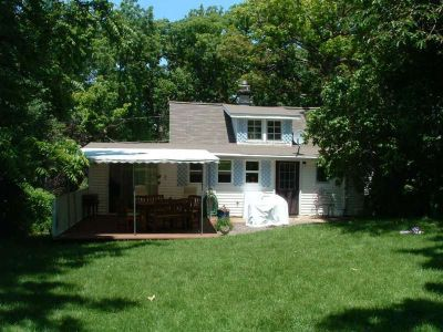 Charming Weekend Getaway Cottage Just Footsteps From Lake Geneva, WI (W3669 Oakr