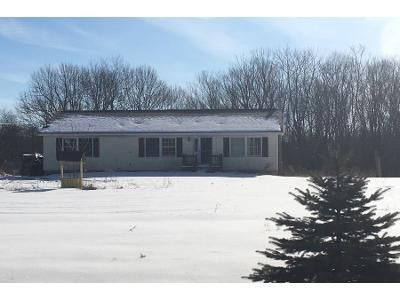3 Bed 1.5 Bath Foreclosure Property in Glen Wild, NY 12738 - Glen Wild Rd