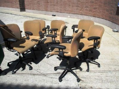 Lot of (12) Mesh-Back Office/Lounge Chairs RTR#7071307-06