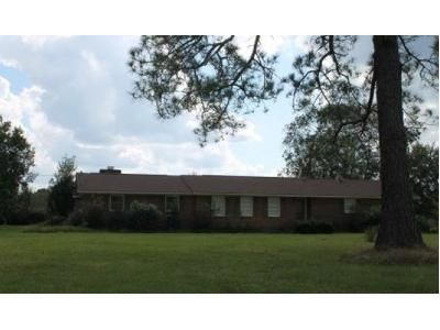 4 Bed 4 Bath Foreclosure Property in Blackshear, GA 31516 - Cason Rd