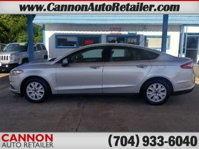 2014 Ford Fusion S (Ingot Silver)