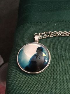 Black cat necklace.glare is fan and light.new