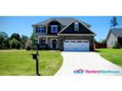 Beautiful home in Knolls at the Neuse