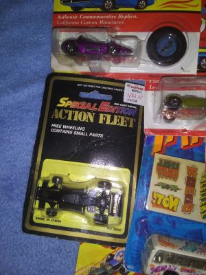 Special edition hotwheels cars truck bus m9tor cycle. Johnny lighting cars w special edition.