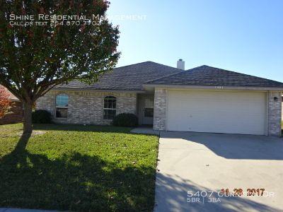 Single-family home Rental - 5407 Gunnison Dr
