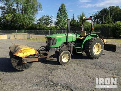 2007 John Deere 5225 Broom Tractor