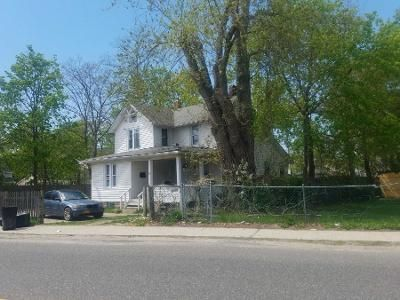Preforeclosure Property in Bay Shore, NY 11706 - Brook St