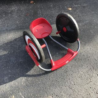 Radio Flyer Cyclone Arm Powered Ride On