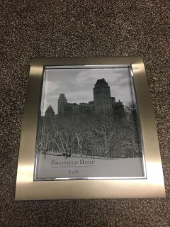 New 8 x 10 picture frame
