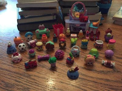 Shopkins - 42 pieces