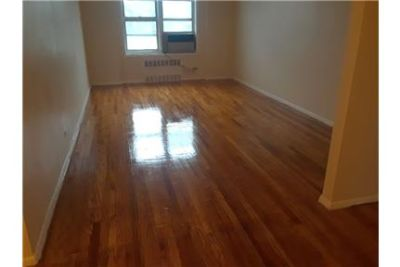 Large 2 Bedrooms 2 Bath in Riverdale