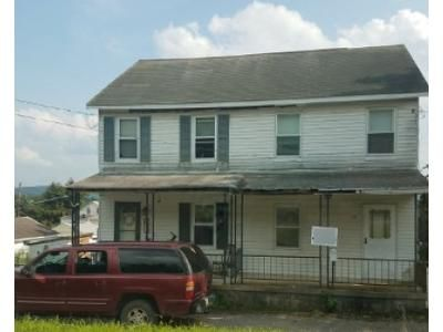 2 Bed 1 Bath Foreclosure Property in New Philadelphia, PA 17959 - Main St