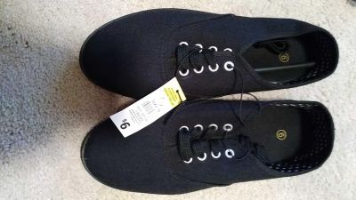 Girls size 6 black shoes NWT