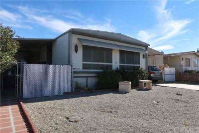 13919 Riviera Drive Victorville Two BR, On the Golf Course !