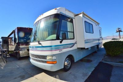 1999 National Sea View 8310 motohome rv