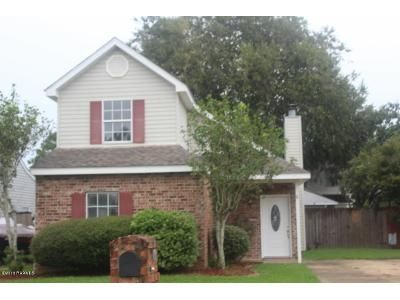 3 Bed 2 Bath Foreclosure Property in Lafayette, LA 70508 - Row One