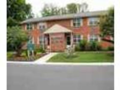 1 BR W Volleyball Tennis Basketball Courts