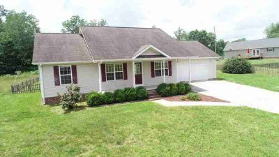 60 foxwood Drive Corbin Three BR, Conveniently located right off