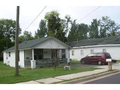 2 Bed 1 Bath Foreclosure Property in Birmingham, AL 35221 - Jefferson Ave SW