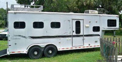 2000 Sundowner 3 horse trailer living quarters