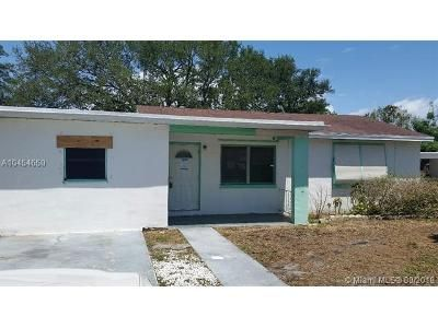3 Bed 2 Bath Foreclosure Property in West Palm Beach, FL 33404 - W 34th St