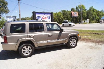 2006 Jeep Commander Limited (Gold)