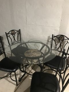 Kitchen/sunroom table & 4 chairs