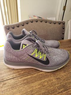 Men's Nike Sneakers Size 12. Excellent, Like New Condition !
