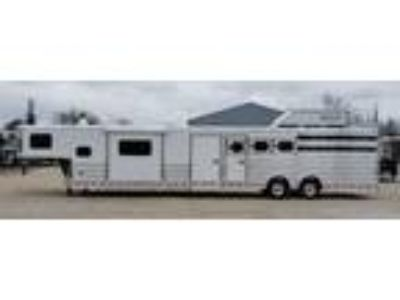2019 Twister 5-6H Stock Slant 15' TB LQ, Slide & Bunk 5 horses