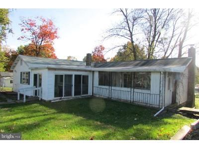 3 Bed 2 Bath Foreclosure Property in Middletown, PA 17057 - Hollywood Dr