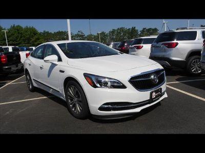 2018 Buick LaCrosse Essence (White)