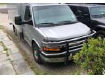 2017 Chevrolet Express-3500-Refrigerated-Box-Truck Truck in Bedford Hills, NY