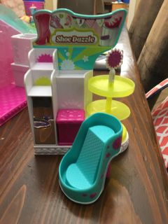 Tons of Shopkins sets Make offer; cleaning out my daughters toys