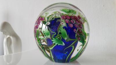 Vintage Vandermark Art Glass PaperWeight Superb