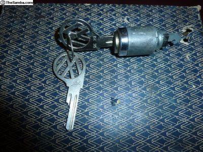 NOS VW Convertible glove box lock and keys 58-66