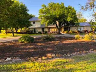 746 Bullhide Trail LORENA Three BR, Looking for a steal with