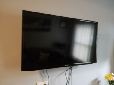 34in Samsung Smart HDTV