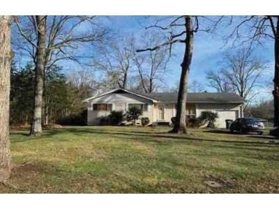 3 Bed 2 Bath Foreclosure Property in Signal Mountain, TN 37377 - Anderson Pike
