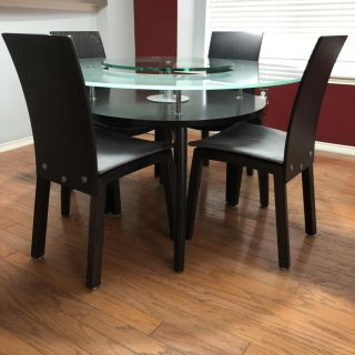 Round Modern Glass Table with Chairs