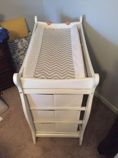 Changing Table with Pad and pad cover