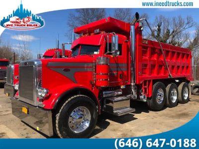 2005 Peterbilt 357 DUMP TRUCK (Red)