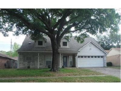 4 Bed 2.1 Bath Foreclosure Property in Humble, TX 77346 - Thicket Trail Dr