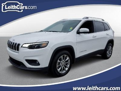2019 Jeep Cherokee Latitude Plus FWD (Bright White Clear Coat)