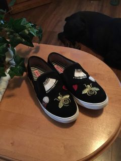 Betsy Johnson slip on sneakers size 9