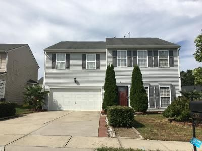 3 Bed 2.5 Bath Preforeclosure Property in Charlotte, NC 28269 - Crisp Wood Ln