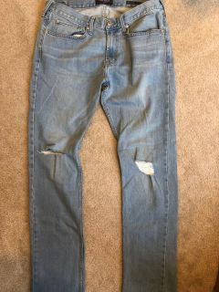 Men s size 32/34 slim fit jeans in like new condition